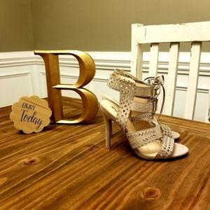 Tan heel with Gold accent